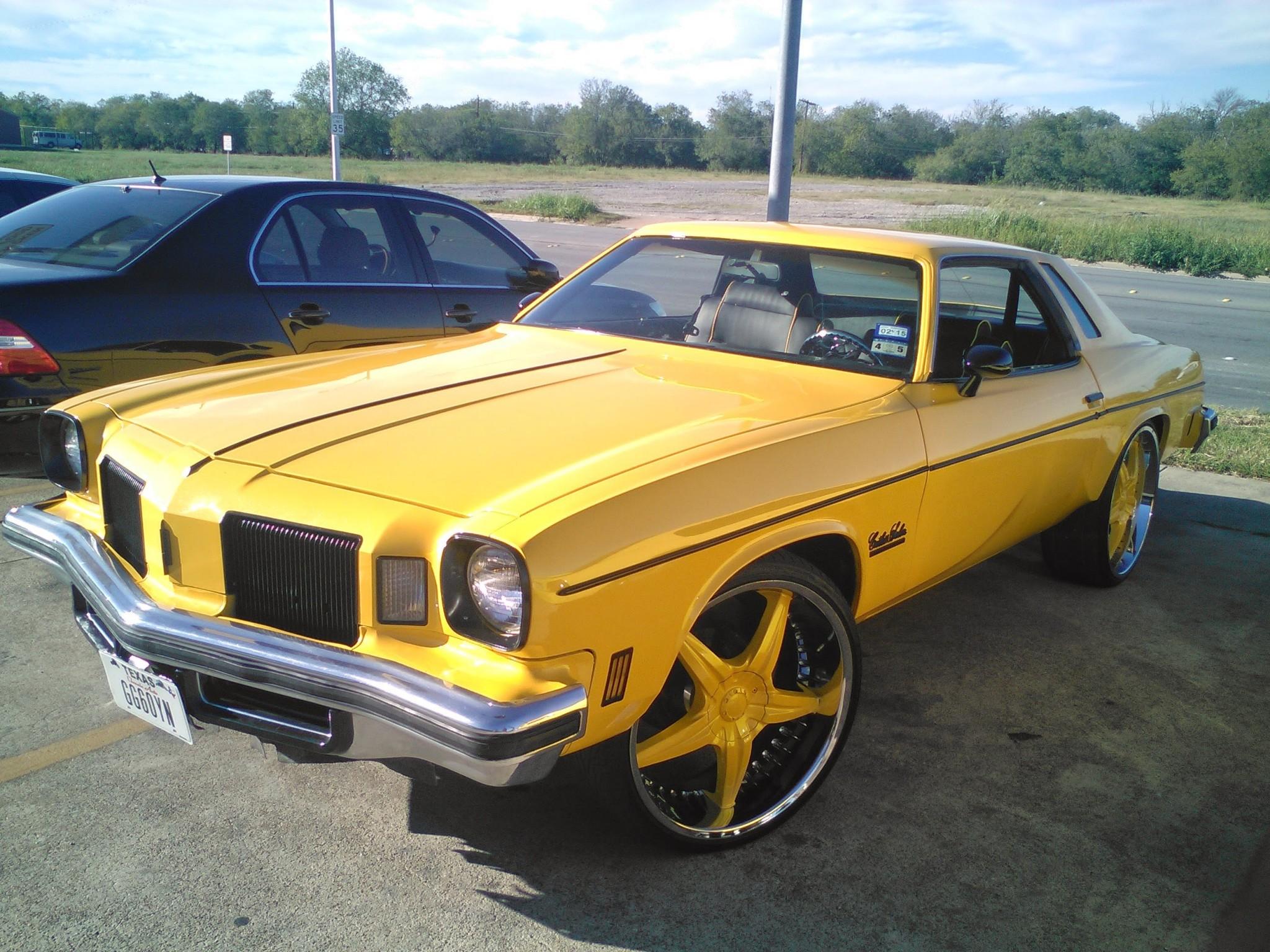 Cutlass On 30 Inch Rims : Box chevy on inch ballers wheels big rims custom