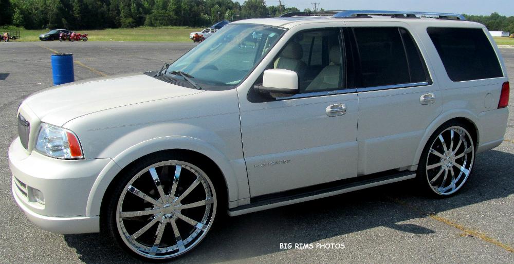 Lincoln Navigator On 28 S Big Rims Custom Wheels