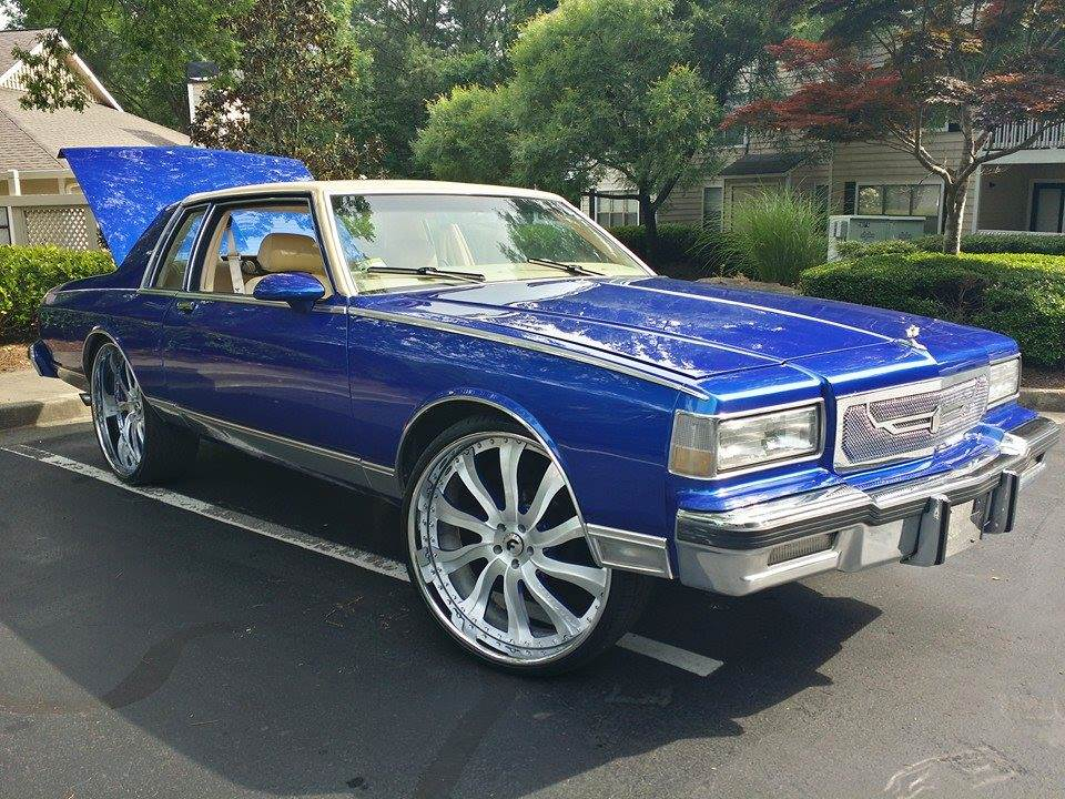 Badass Box Chevy on 26's - Big Rims - Custom Wheels