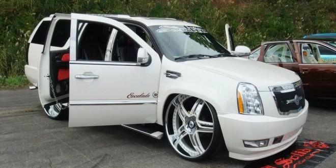 White 30 Inch Rims : Custom bagged cadillac escalade on s big rims