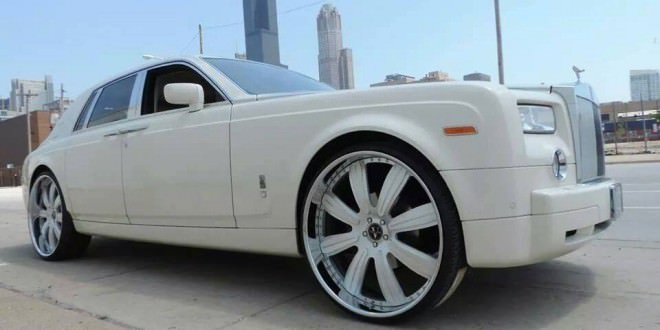 White On White Rolls Royce Ghost With Custom 26 Inch