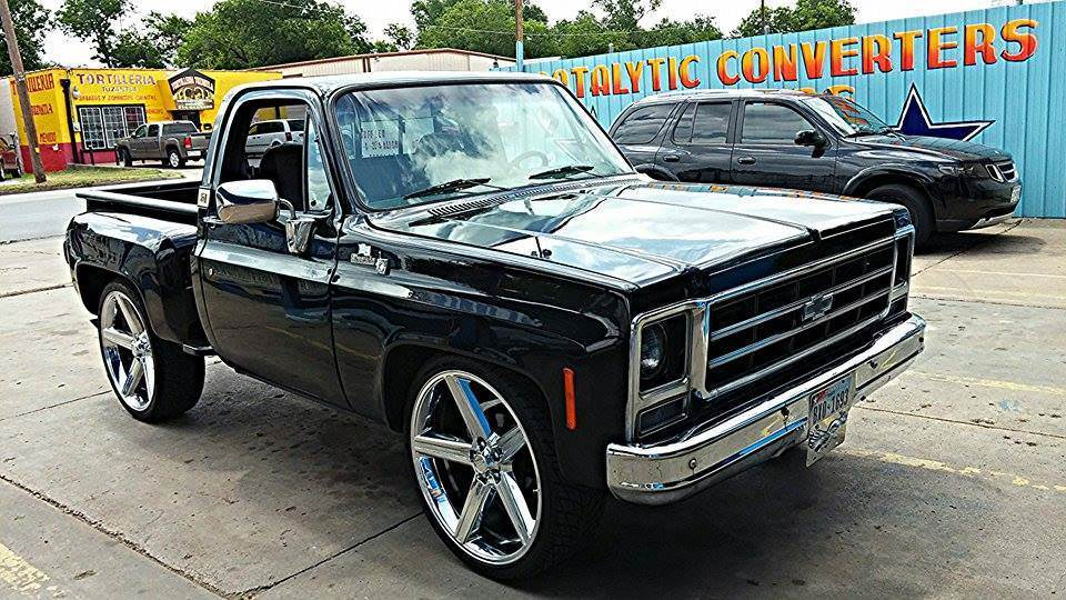 Beautiful Old School Short Bed Chevy On 28 Inch Irocs