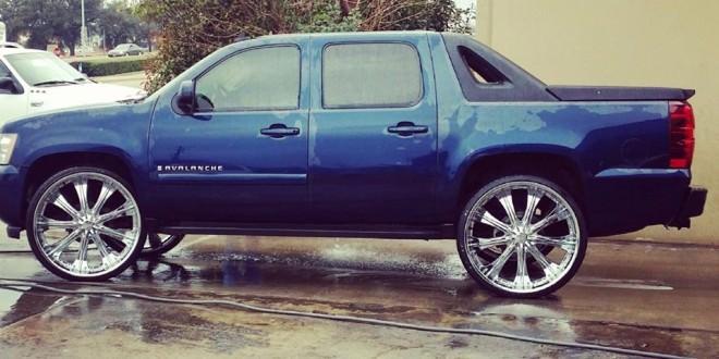 Chevrolet Avalanche Sitting On 28s Big Rims Custom Wheels