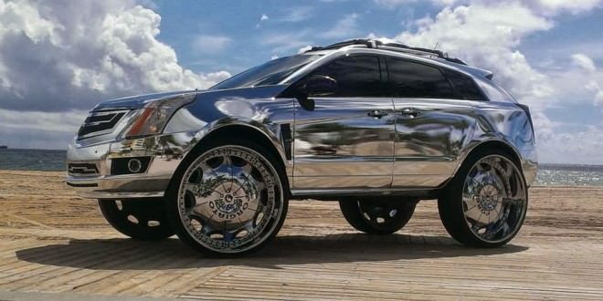 Cadillac Srx All Chromed Riding On 32 S Big Rims