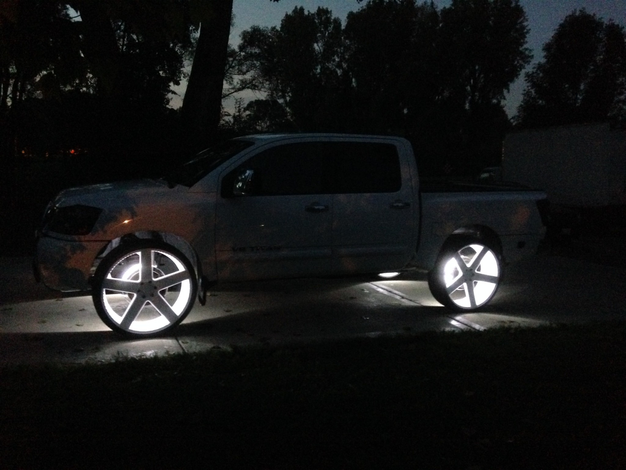 Jason Mcfadden Titan On 28 Quot Dub Ballers Big Rims