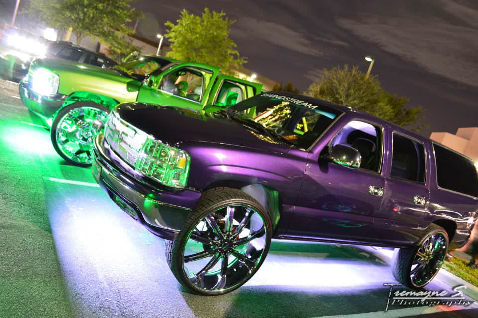 2001 Chevy Suburban Custom Front End 30 Inch Dcenti Wheels