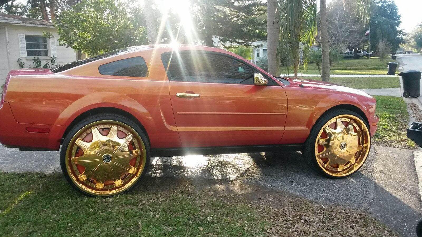 Outrageous paint 5k$24karat gold rims and accessories 28 ...