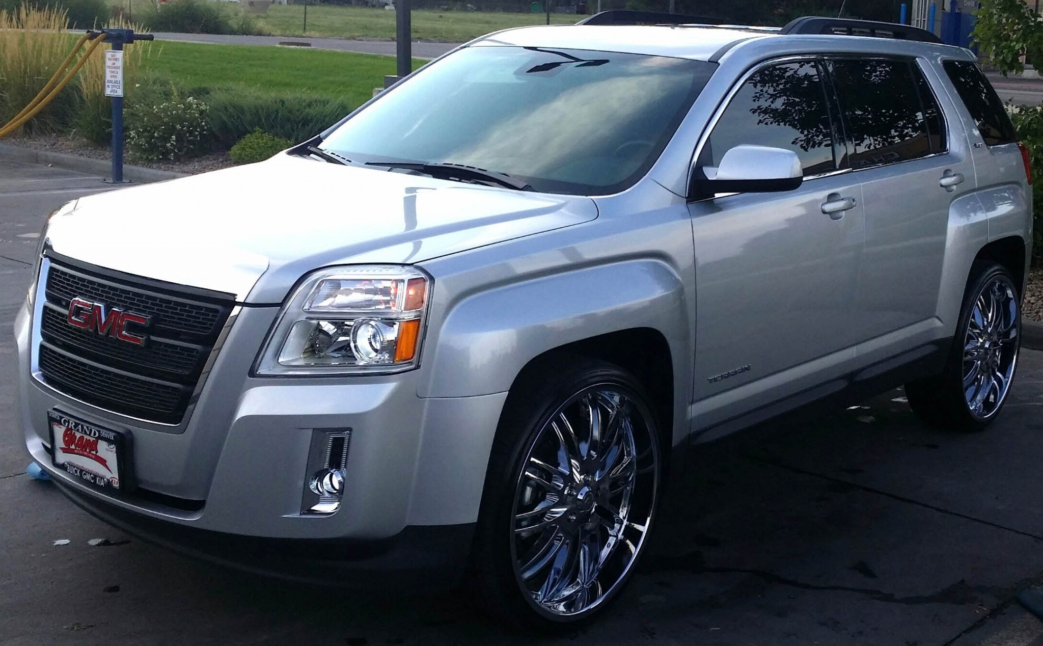 2014 GMC TERRAIN SLT on 24's - Big Rims - Custom Wheels