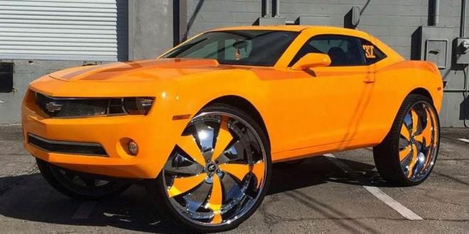 Custom Camaro On 32 S Big Rims Custom Wheels