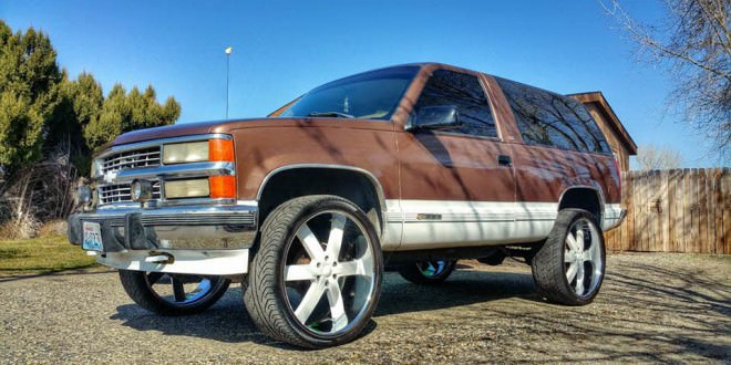 2 door Chevy tahoe on 26's - Big Rims - Custom Wheels