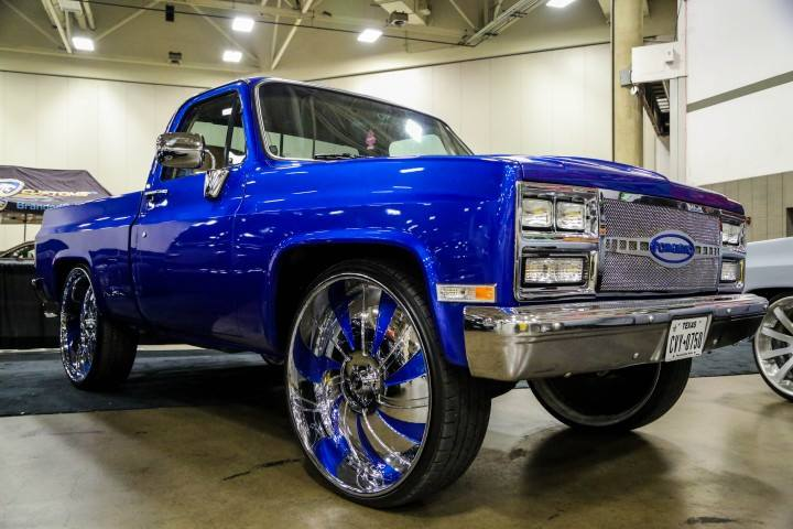Short Bed Chevy On 30 S Big Rims Custom Wheels
