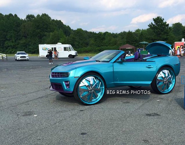 Chevy Camaro With Tvs On 32 Dub Floaters Big Rims