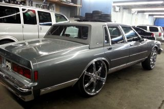 1989 CHEVROLET CAPRICE BROUGHAM LS - Big Rims - Custom Wheels