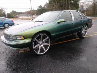 1995 Caprice on 26s $ 8.000 Charlotte, NC - Big Rims - Custom Wheels